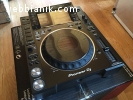 Pioneer CDJ-2000NXS2 Multi Player == 1000 Euros