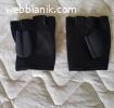 Предлагам чисто нови черни фитнес ръкавици
